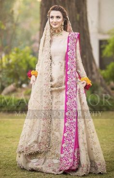 Here are the pictures of bridal dresses that I saved in February Bridal Mehndi Dresses, Nikkah Dress, Desi Wedding Dresses, Shadi Dresses, Bridal Dress Design, Indian Dresses, Lehnga Dress, Pakistani Fashion Party Wear, Pakistani Wedding Outfits