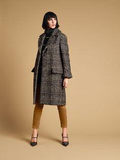 Вельветовые костюмы, базовые платья и пальто в капсульной коллекции Luisa Cerano | Журнал Harper's Bazaar