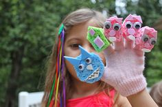 DIY Glove Puppets make helping mama clean a bit more fun!