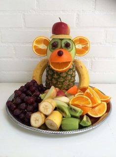 """Monkey Food"" - Kreamors Küche - Gesund - Mary's Secret World - Monkey Food, Monkey Monkey, Party Food Buffet, Fruit Buffet, Fruit Creations, Food Art For Kids, Food Kids, Creative Food Art, Creative Ideas"