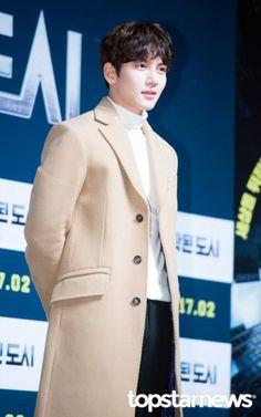 [press] 170109 - Fabricated City press-con - Ji Chang Wook Asian Actors, Korean Actors, Fabricated City, City Press, Exo Members, Ji Chang Wook, Korean Celebrities, Male Models, Kdrama