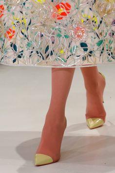 Dior Haute Couture SS 13 by Raf Simons, Paris Fashion Week Fashion Week, Look Fashion, Fashion Details, High Fashion, Fashion Shoes, Fashion Design, Couture Details, Fashion Scarves, 1950s Fashion