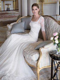 Very simple and elegant wedding dress