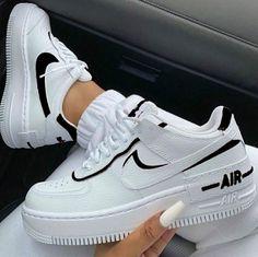 Todos quisieran tenerlos Dr Shoes, Hype Shoes, Me Too Shoes, Chucks Shoes, Shoes Men, Shoes Heels, Suede Shoes, Jordan Shoes Girls, Girls Shoes