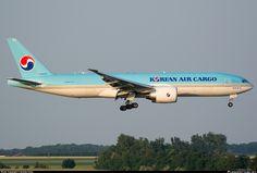 HL8005 Korean Air Lines Boeing 777-FB5