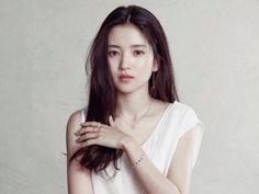 Kim Sohyun, Korean Actresses, Hair Makeup, Celebs, Poses, Actors, T Shirts For Women, Portrait, My Style