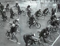 chromjuwelen:    1962-1983: the years of fast racing mopeds (via bubblevisor.blogspot.com)