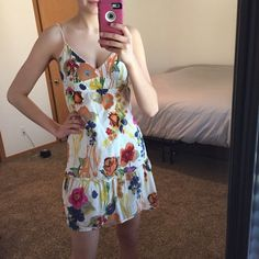 Floral Summer Dress! Floral summer dress! Spaghetti traps and trimmed edge. I love this dress, it just doesn't fit anymore! Tag says 6, but it fits like a small! American Eagle Outfitters Dresses Mini