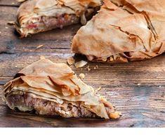 Πατατόπιτα νηστίσιμη με χωριάτικο φύλλο Pie Recipes, Vegan Recipes, Snack Recipes, Food Categories, Spanakopita, Raw Vegan, Sweet Potato, Paleo, Kai