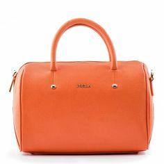 #Furla Alissa Orange Bauletto in pelle di vitello con cuciture in tinta con tracolla staccabile e regolabile. Acquista ora >> http://www.wear2go.com/it/alissa-90