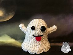 Make It: Emoji Ghost - Free Crochet Pattern #crochet #amigurumi #free #ravelry