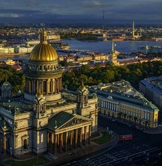 Saint Isaac's Cathedral - St. Petersburg, Russia