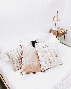 Boho Chic Interior Design - Bohemian Bedroom Design - Josh and Derek Cozy Bedroom, Dream Bedroom, Bedroom Decor, Bedroom Bed, Scandi Bedroom, Bedroom Cushions, Bedroom Ideas, Master Bedroom, Decoration Inspiration