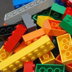 Bauanleitungen für Lego und Lego-Technik: häufig gehen Original-Anleitungen verloren, dann wird gesucht. Wir haben viele Anleitungen zusammengestellt.