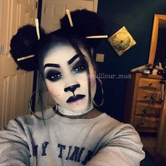 Sexy and fierce panda makeup for halloween by Panda Makeup, Bear Makeup, Animal Makeup, Panda Costume Diy, Panda Costumes, Halloween Costumes, Cosplay Costumes, Halloween Makeup Looks, Halloween Make Up
