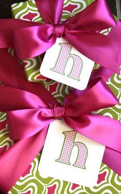 Love the colors, pretty bows.