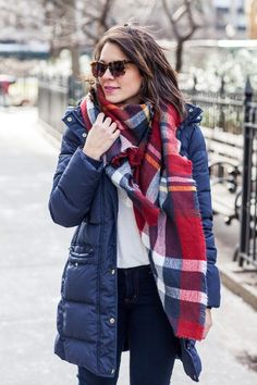 how to make a puffy coat cute, blanket scarf, hunter boots via Winter Layering Outfits, Fall Winter Outfits, Autumn Winter Fashion, Winter Style, Winter Ootd, Preppy Style, My Style, Parka Coat, Fashion Outfits
