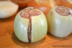 Bbq onion meatball bombs - hugs and cookies xoxo Meatloaf Recipes, Meatball Recipes, Meat Recipes, Appetizer Recipes, Cooking Recipes, Dutch Recipes, Burger Recipes, Yummy Appetizers, Herbs