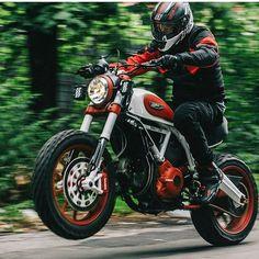 By @brandon_lajoie #ducati #bike #motorcycle #caferacer #race #custom…