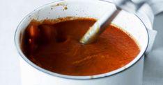 Lämmittävää tomaatti-papukeittoa syntyy kerralla kunnon kattilallinen. Kurkkaa ohje!