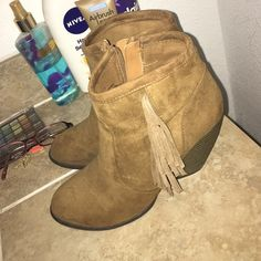 Fringe Booties! (Must have!!) NWOT, not from Steve Madden but still super cute Steve Madden Shoes Ankle Boots & Booties