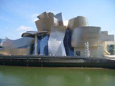 Vivere l'arte ed emozionarsi al Museo Guggenheim di Bilbao