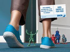 おもちゃたちの敵はコルシカ島? 仏フェリー会社のアイデアが光るプリント広告 | AdGang