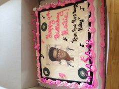 Bruno Mars cake ! Can you say awesome :)