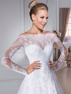 Beautiful Latest Off Shoulder Lace Appliques Long Sleeve Wedding Dress 2015