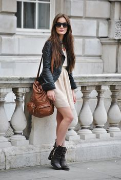this is a good #style, with special: #bag, #boots, #sunglasses...