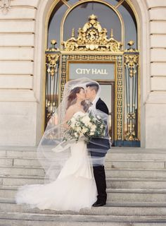 A timeless San Francisco City Hall wedding full of understated elegance with Charmed Events, Amy Burke Designs, Written Word Calligraphy, Vera Wang, & TEAM. City Hall Wedding, Wedding Halls, Dream Wedding, Fantasy Wedding, Chicago Wedding, Wedding Things, San Francisco City, Wedding Photography Tips, Photography Ideas