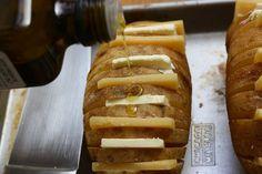 Scalloped Hasselback PotatoesRee Drummond / The Pioneer Woman, via Flickr http://tastykitchen.com/blog/2011/10/scalloped-hasselback-potatoes/