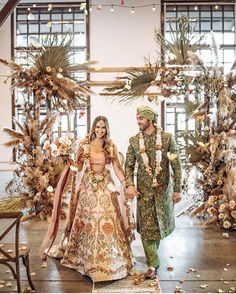 Wanderlust Fashion : 15 Favorite Looks In This Month Of April :- Wander. Indian Bridesmaids, Indian Bride And Groom, Bride Groom, Indian Wedding Ceremony, Punjabi Wedding, Traditional Indian Wedding, Bohemian Wedding Inspiration, Indian Wedding Photography, Photography Ideas