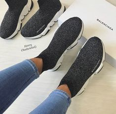 Walk In My Shoes, Me Too Shoes, Sock Shoes, Shoe Boots, Sneakers Fashion, Fashion Shoes, High Top Tennis Shoes, Cute Sneakers, Sneakers Women