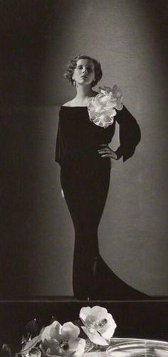 Diana Wynyard by Harvey White 1933