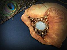 https://www.etsy.com/pt/listing/459386598/jade-guatemala-macrame-necklace-bohemian