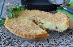 CROSTATA DI SFOGLIA CON PATATE E PANCETTA, ricetta facile con le patate e la pasta sfoglia, ottima come piatto unico o secondo piatto.