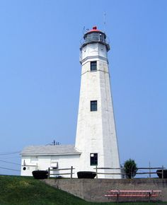 Eaton's Neck Lighthouse, New York at Lighthousefriends.com