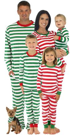 405b1ec53d SleepytimePjs Family Matching Christmas Red or Green Striped Pajamas PJs  Sets  Clothing Amazon http