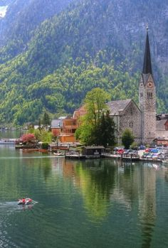 #Lake #Austria #Church