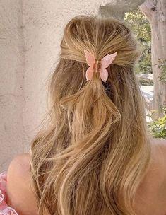 Hair Inspo, Hair Inspiration, Inspo Cheveux, Brown Blonde Hair, Wavy Hair, Black Hair, Medium Blonde, Coily Hair, Light Brown Hair