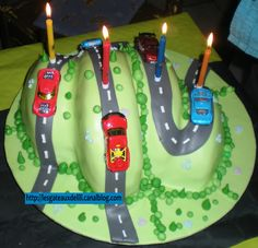 1000 Images About G Teaux Anniversaire On Pinterest Kids Cooking Party Cheeseburger Cake And