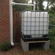 Ways To Make Water From Air – Greenhouse Design Ideas Water Collection System, Water Catchment, Rain Catchment System, Water From Air, Pub Set, Water Conservation, Water Systems, Save Water, Backyard Landscaping