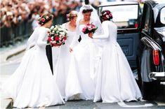 Date:14 juillet 1994 - Mariée : Lady Sarah Armstrong-Jones (1964) , fille de la princesse Margaret et de Anthony Armstrong-Jones fait Lord Snowdon - Marié : Daniel Chatto (1957)