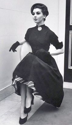 Glamorous Fashion 1951