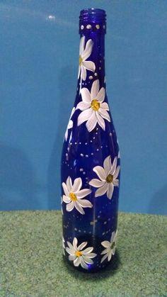 Painted wine bottles: daisies