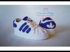 Crochet Baby Superstars - Crochet Clothing and Accessories Booties Crochet, Crochet Converse, Crochet Baby Boots, Crochet Shoes, Crochet Slippers, Baby Booties, Baby Sandals, Adidas Baby, Baby Shoes Pattern