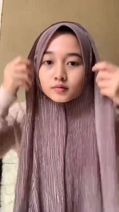 Stylish Hijab, Modest Fashion Hijab, Modern Hijab Fashion, Hijab Fashion Inspiration, Hijab Turban Style, Mode Turban, Simple Hijab Tutorial, Hijab Style Tutorial, Pashmina Hijab Tutorial