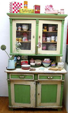 Retro Kitchen - Vintage Kitchen Green Cabinet & Buffet - Vintage Home decor ideas