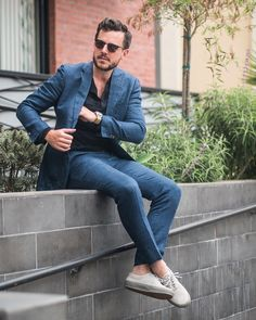 summer is coming // linen suit, menswear, mens style, mens fashion, sneakers, street style